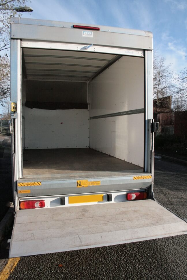 Luton Style van with tail lift for hire